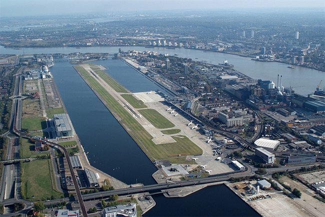 London City Airport z ptačí perspektivy