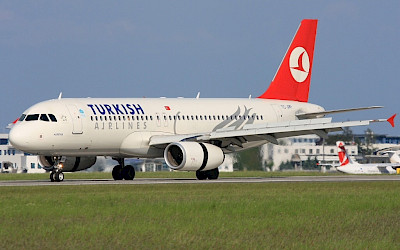 Turkish Airlines - Airbus A320 (foto: Alan Lebeda/Wikimedia Commons - GFDL 1.2)