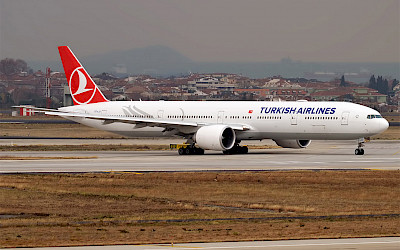 Turkish Airlines - Boeing 777-300ER (foto: Anna Zvereva/Wikimedia Commons - CC BY-SA 2.0)