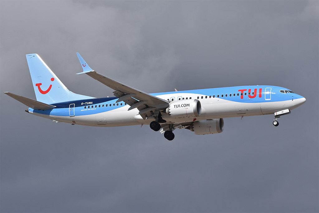 TUI Airways - Boeing 737 MAX 8 (foto: Alan Wilson/Wikimedia Commons - CC BY-SA 2.0)