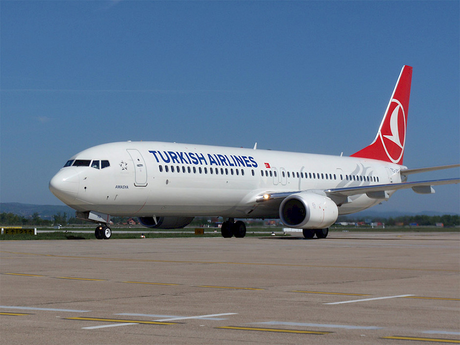 Turkish Airlines - Boeing 737-900ER (foto: Dtom/Wikimedia Commons - CC BY-SA 3.0)