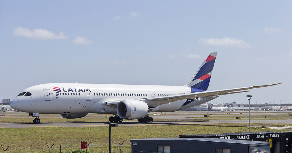 LATAM Airlines - Boeing 787-8 (foto: Bidgee/Wikipedia Commons - CC BY-SA 3.0 AU)