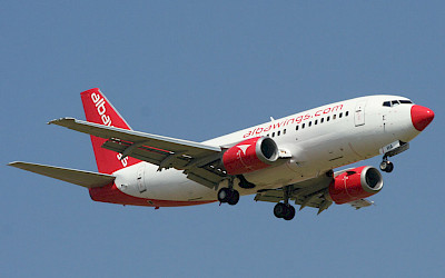 Albawings - Boeing 737-500 (foto: Oyoyoy/Wikimedia Commons - CC BY-SA 4.0)