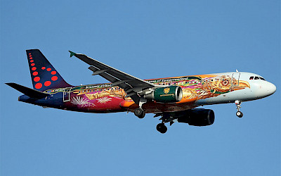 Airbus A320 společnosti Brussels Airlines v livery Tommorrowland (foto: Rosedale7175/Wikimedia Commons - CC BY-SA 2.0)